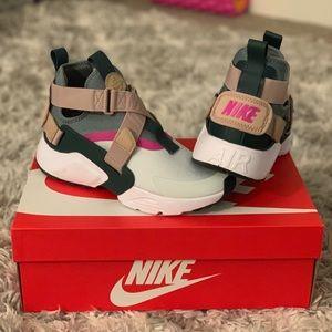 Nike air huarache city